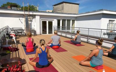 Pilates und Yoga in Köln unter freiem Himmel